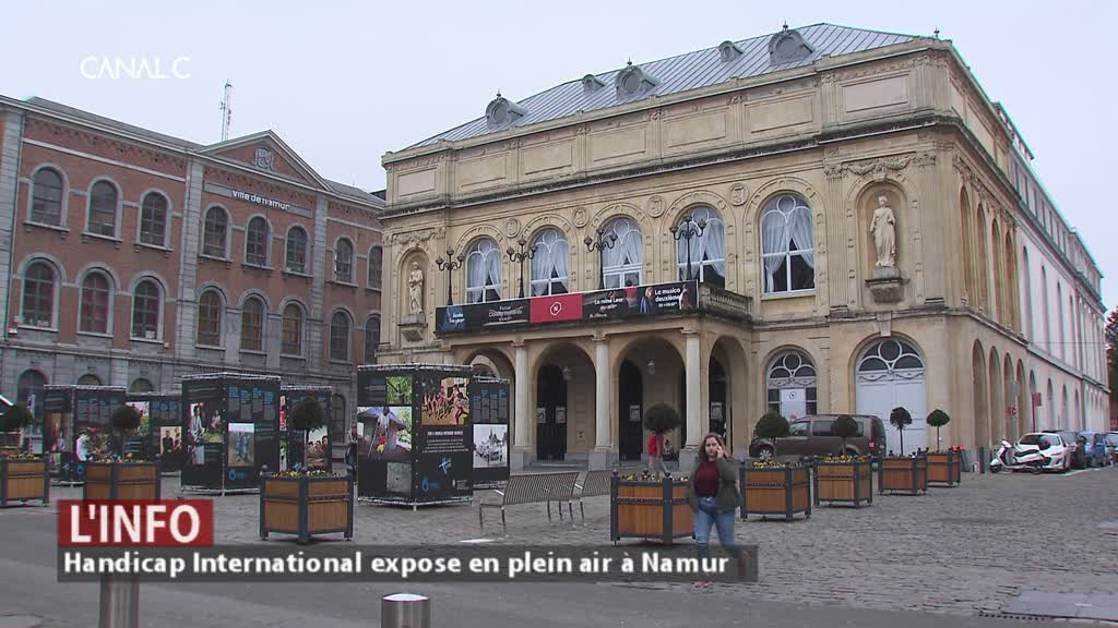Handicap International s'expose place du théâtre à Namur