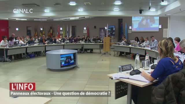 Panneaux électoraux: question de démocratie?