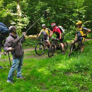 Cadreur, perchiste et vélos