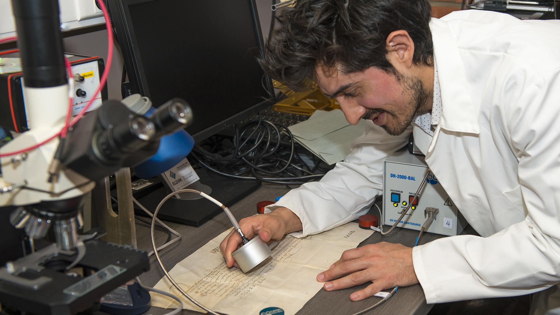 Namur - Un jeune chercheur décrypte les parchemins anciens grâce à une technique innovante