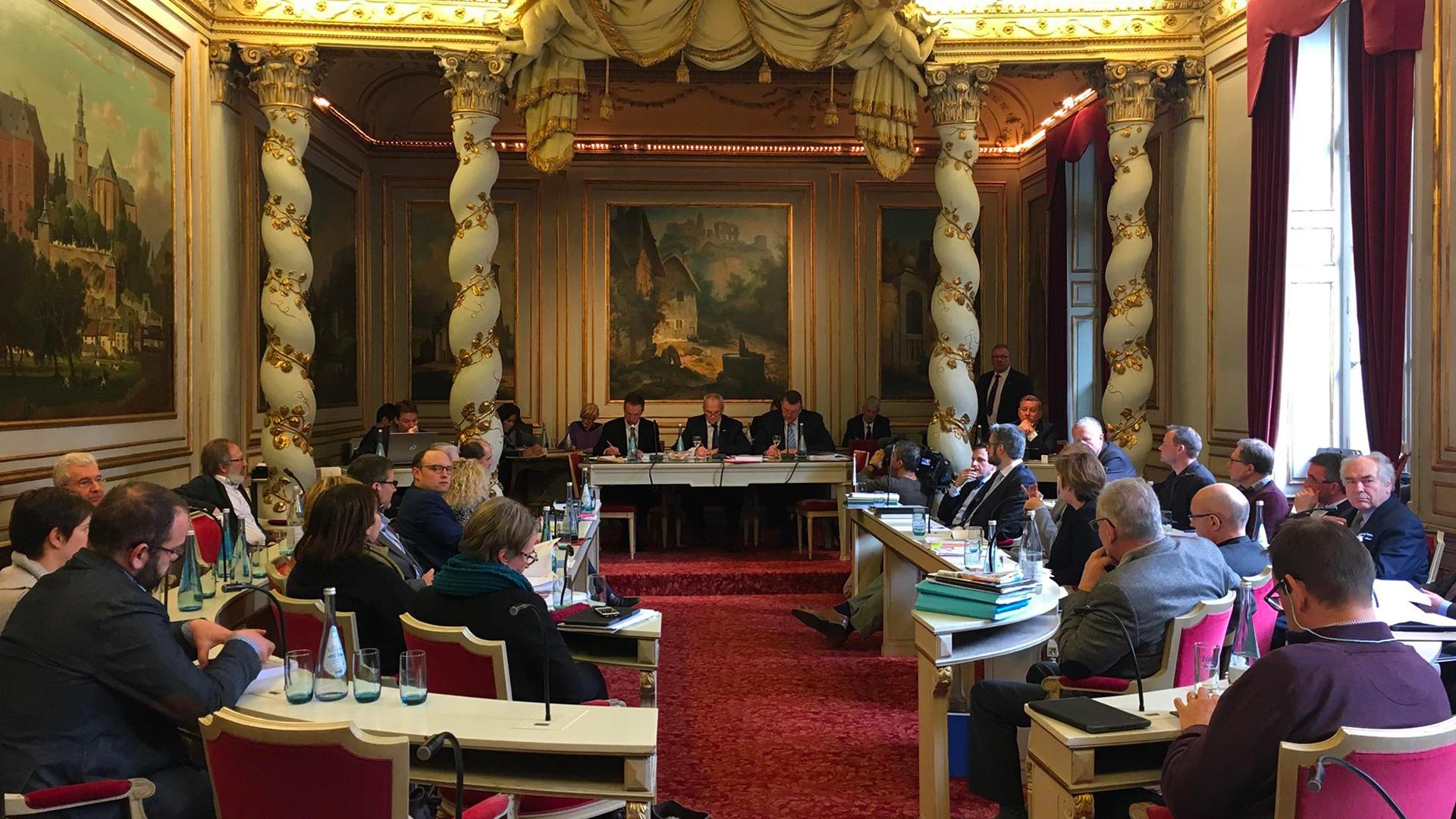 Ce vendredi, la tripartite provinciale MR-cdH-DéFI a présenté le premier budget de la législature