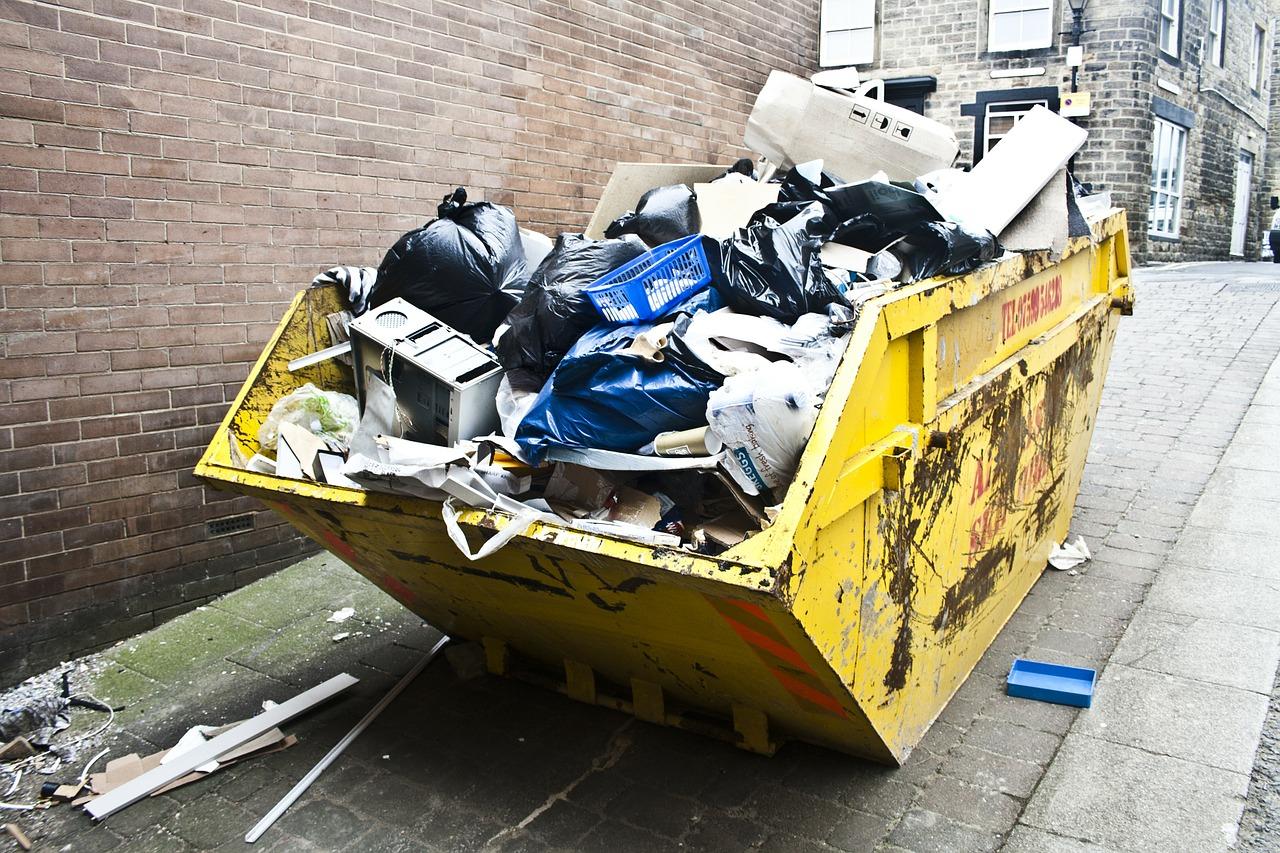 conteneur avec déchets